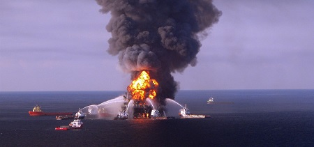 USA: Inviting More Oil-spill Disaster