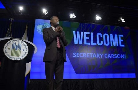 "USA: Carson Calls Slaves ""Immigrants"""